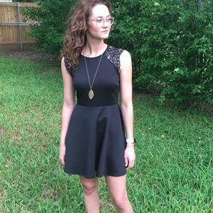 Little black dress { Forever 21 }
